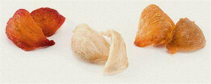 Tổ yến có 3 loại : yến trắng, yến hông và yến huyết. Yến huyết có giá trị dinh dưỡng tốt nhất.
