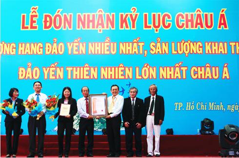 Khánh Hòa là nơi duy nhất tại Châu Á áp dụng được CN di đàn yến từ đảo này sang đảo khác nên duy trì được số lượng yến tự nhiên.