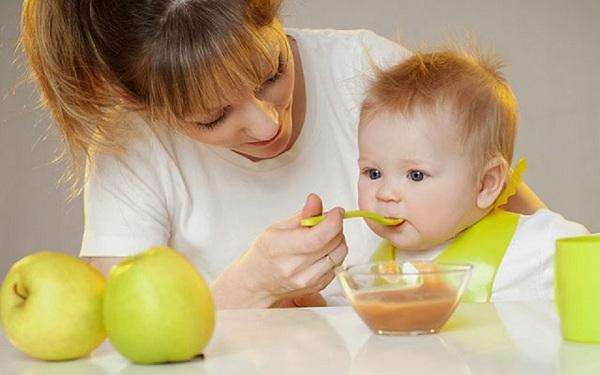 Yến sào là món ăn bổ dưỡng thích hợp cho các bé ăn dặm